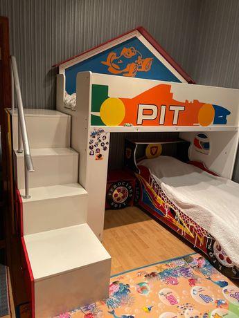 Набор детской мебели, полный комплект! Кровать, стол, шкафы.