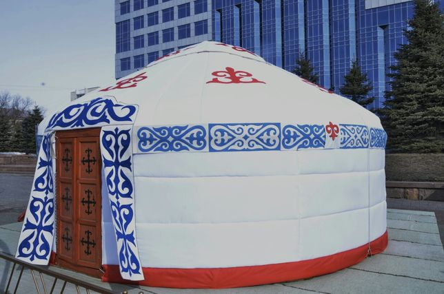 Юрта, национальная мебель, сундук,стол,тахта,оружие, музыкальные инстр