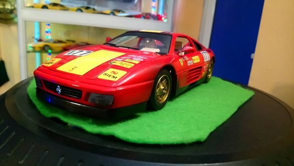Метални колички Ferrari 348,Testarossa spider 84 1:18 Bb