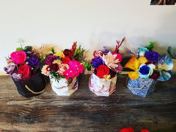 Aranjament cu flori de sapun