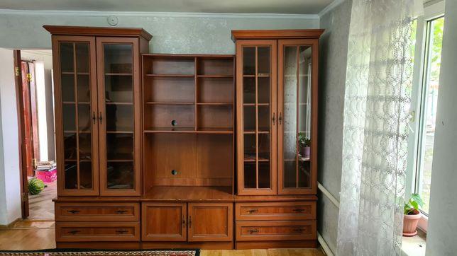 Книжный шкаф или для посуды
