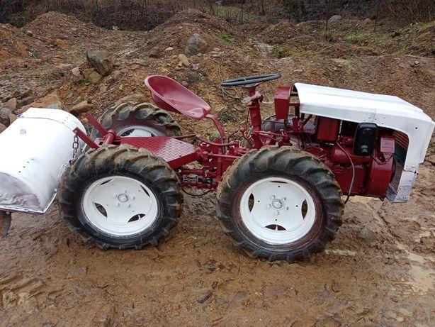 Tractoras articulat 4x4 cu freza