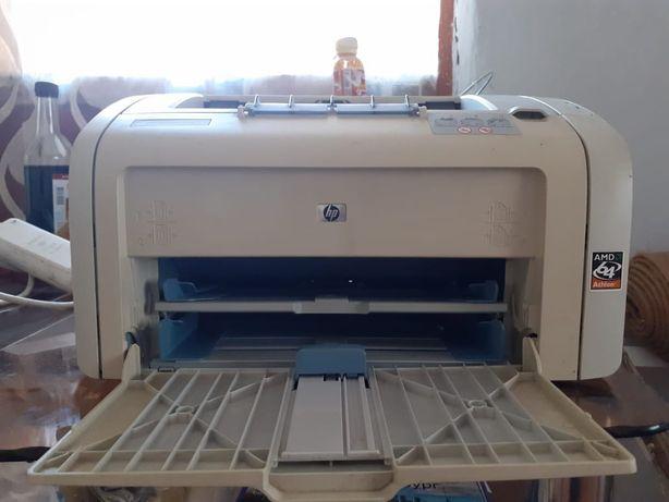 Продам рабочий принтер в рабочем состоянии