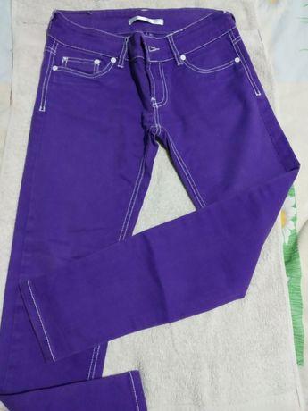 Панталон в свежо лилав цвят