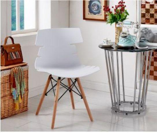 Стол ница бял