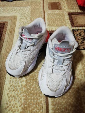 Adidasi Puma copii marimea 22