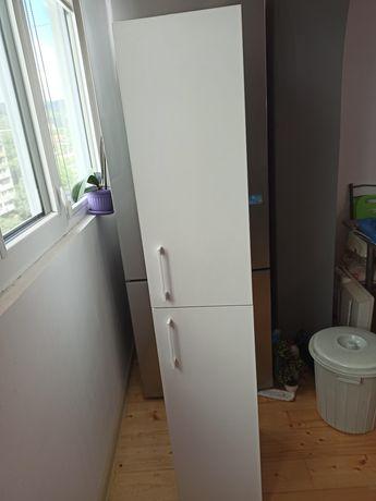 Шкаф с кош за пране
