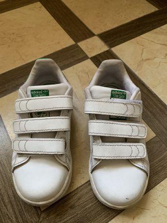 Продам детские кеды Adidas