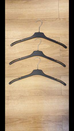 Umerase bluze ( albe si negre)