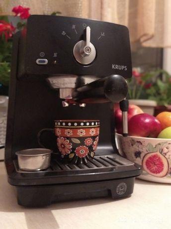 Кофе машина, рожковая, с капучинатором