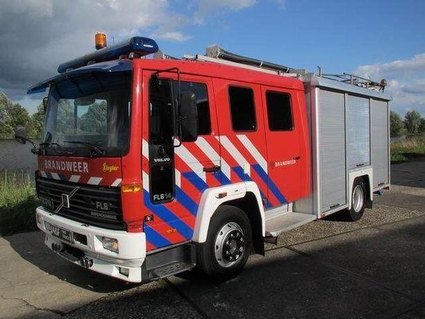 Masina de pompieri Volvo