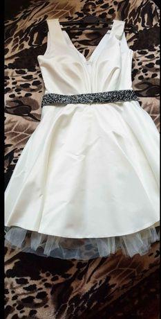 Rochie albă de ocazie cu sacou inclus in pret