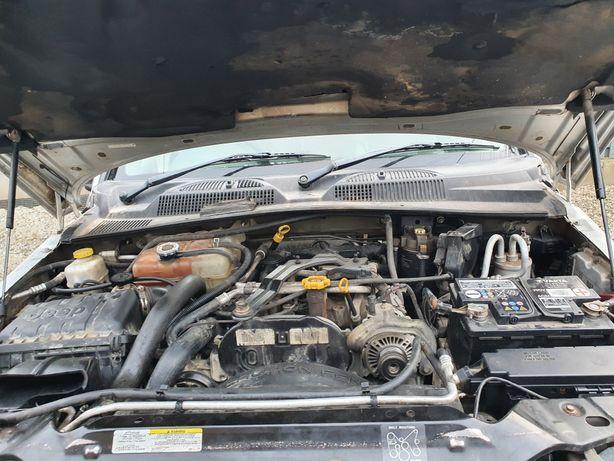 Vând motor 2.8 jeep cherokee