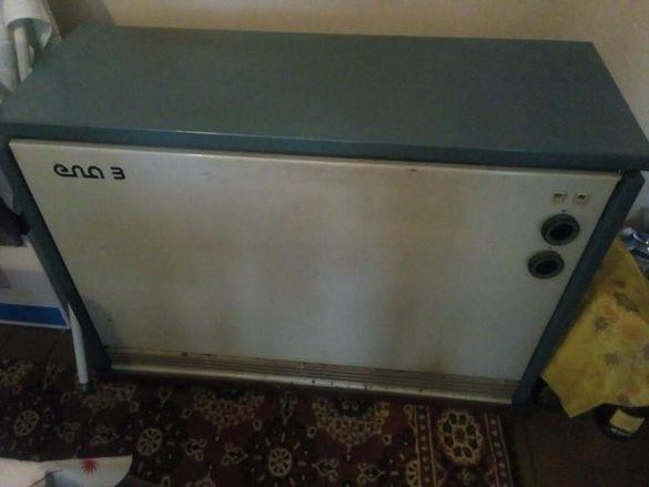 Продавам работеща акумулираща печка
