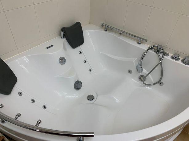 Джакузи угловая ванна