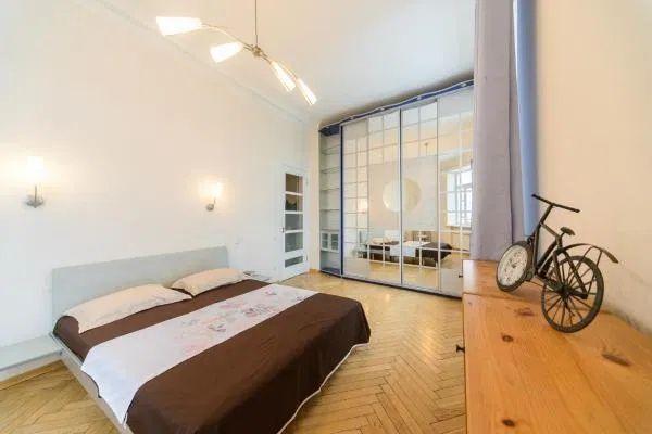 Однокомнатную квартиру в аренду сдам посуточно Левый берег