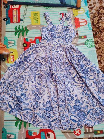 Платье Valentino (42р.)