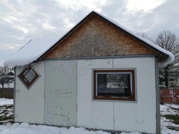 Vând kiosk pe concept de căsuța rustica cu acoperiș