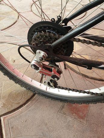 Vand bicicleta  nou