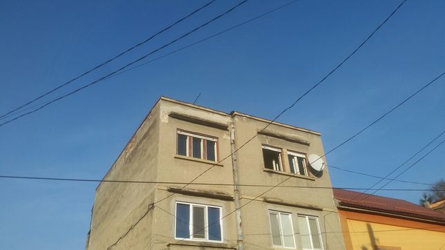 Schimb sau Vând apartament trei cam confort 1 în centru