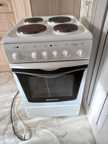 4-х конфорочная электро плита