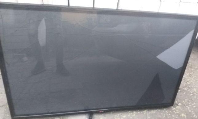ТВ плазма LG 50PN450D, треснут экран,127 см, на з/ч или отремонтироват