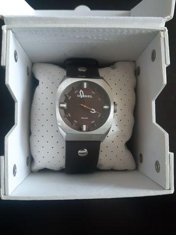 Продавам часовник DIESEL