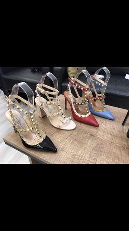 Pantofi Valentino 2020