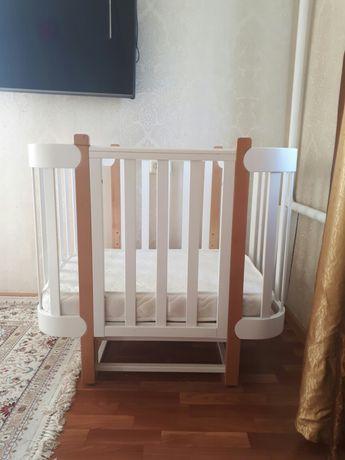 Продам кроватку Happy Baby Mommy!