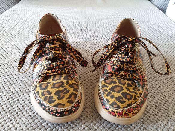 Бутикови сникърси(обувки)