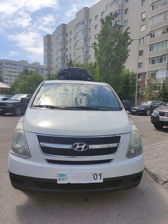Микроавтобус минивэн Hyundai H1 Starex