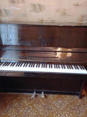 Продам пианино рабочее