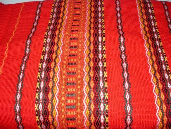 Червени битови покривки за маса