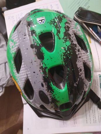 Продам шлем зелёный для велосипеда и роликов цена 7000 тенге