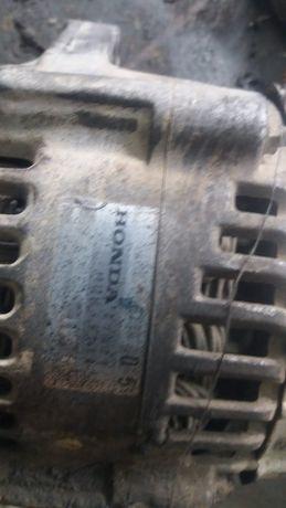 Продам генератор на Honda cr-v