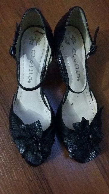 Продам босоножки (туфли)