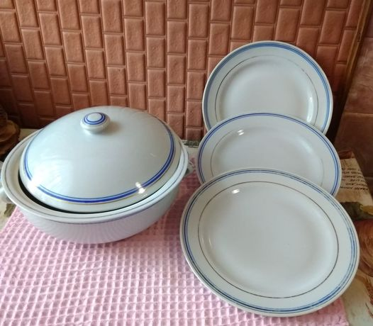 Набор фарфоровой посуды