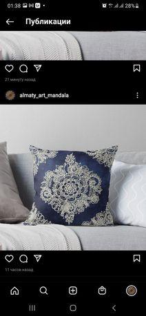 Подушки с красивой орнаментом