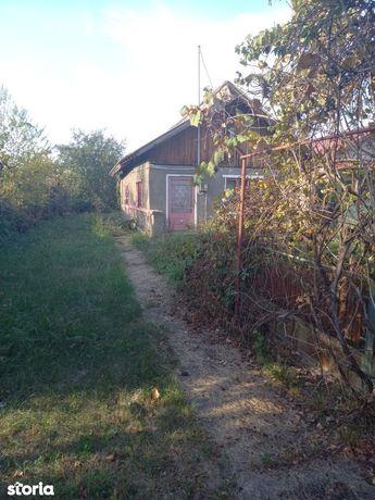 Casa veche Ciolpani teren 2240 mp