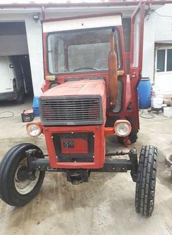 Tractor u 445 de vanzare