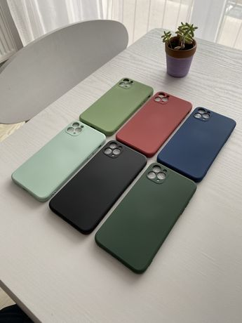 Huse Iphone 11 Pro Max cu aspect de Iphone 12 Pro Max