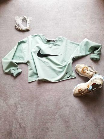 Къси спортни блузи