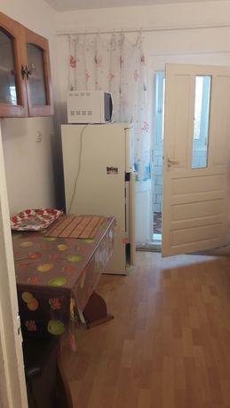 Închiriez apartament 2 camere, Rovine
