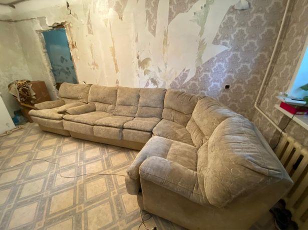 Угловой диван в хорошем состоянии, 45.000 тг