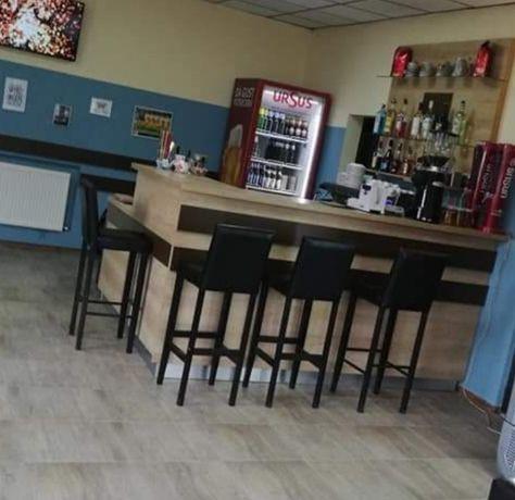 Urgent!! Mobilier cafenea/pub/bar lemn