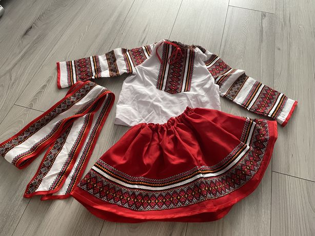 Costum national fetite 3-4 ani