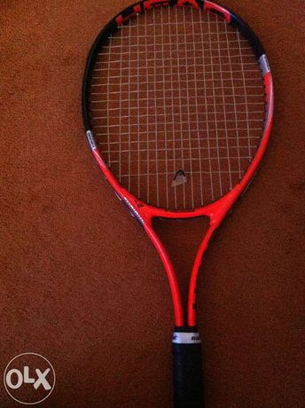 Vând racheta tenis de câmp