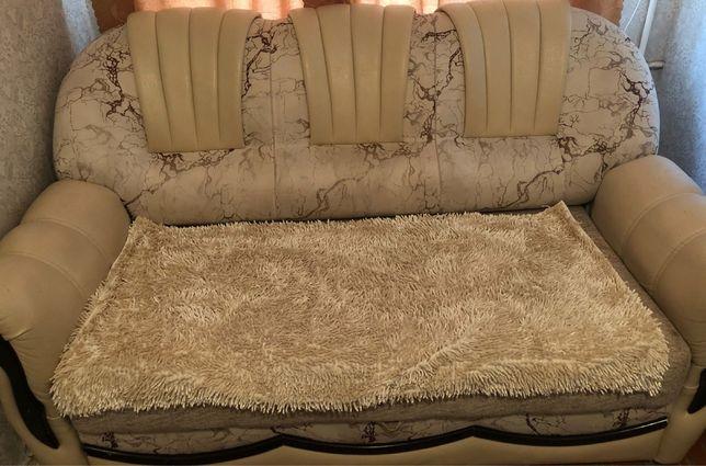 Продам двухместный диван