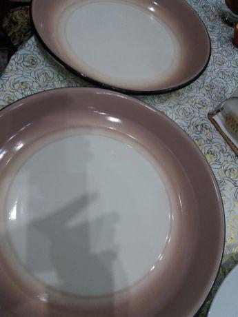 Продаю 2-а металич.большие блюда и 1 керамику всё времён СССР.