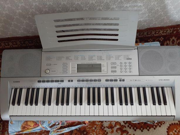 Продам синтезатор casio CTK-4000